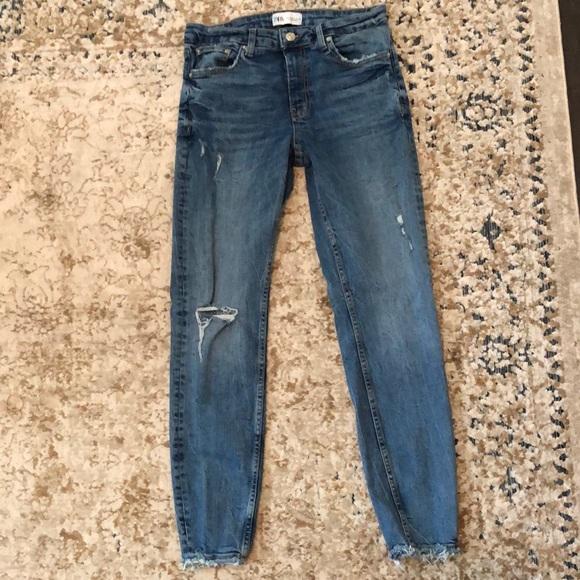 Zara skinny jeans. Distressed. Size 8